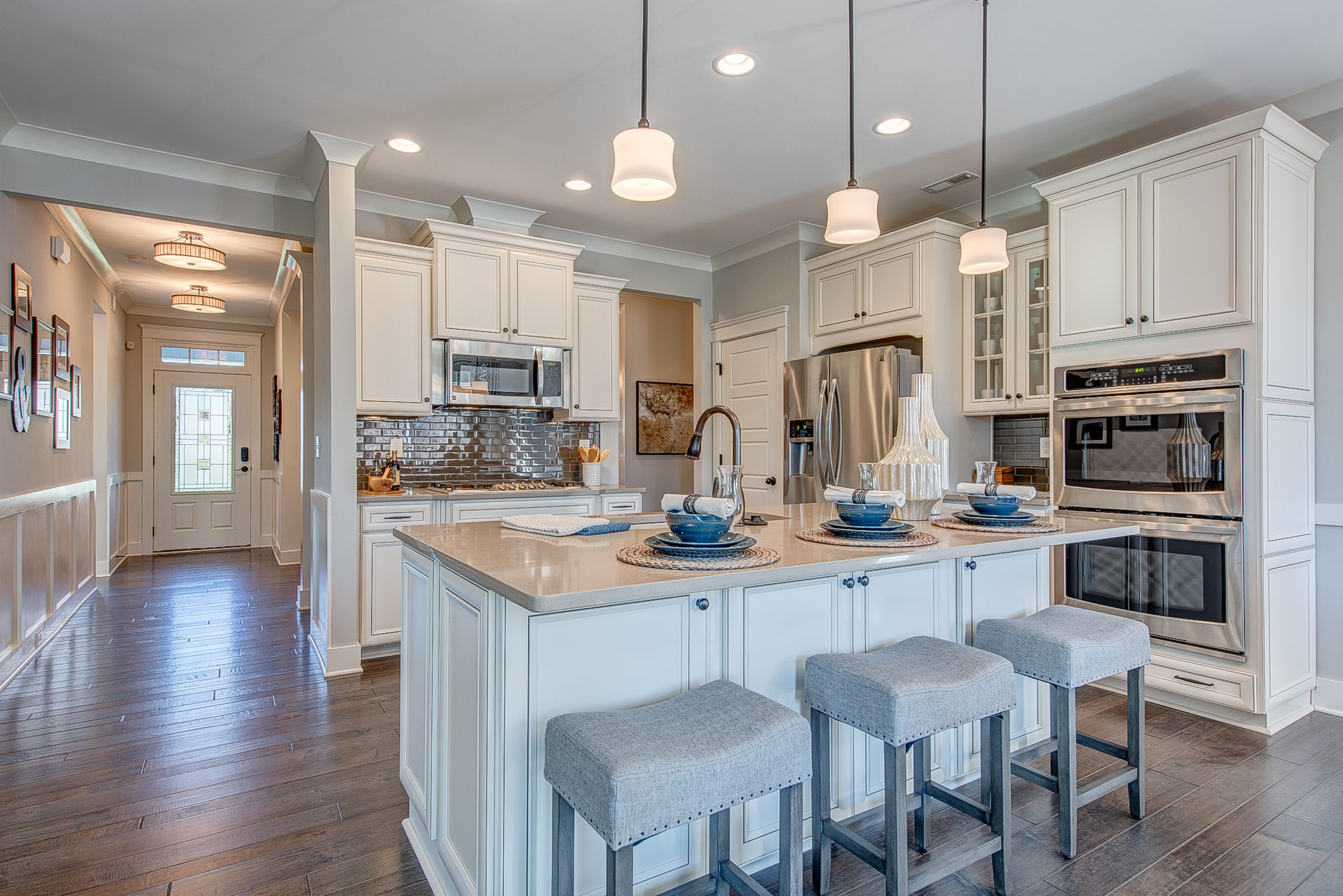 104-bushney-loop-mooresville-print-015-12-kitchen-2248x1500-300dpi_33628713111_o.jpg