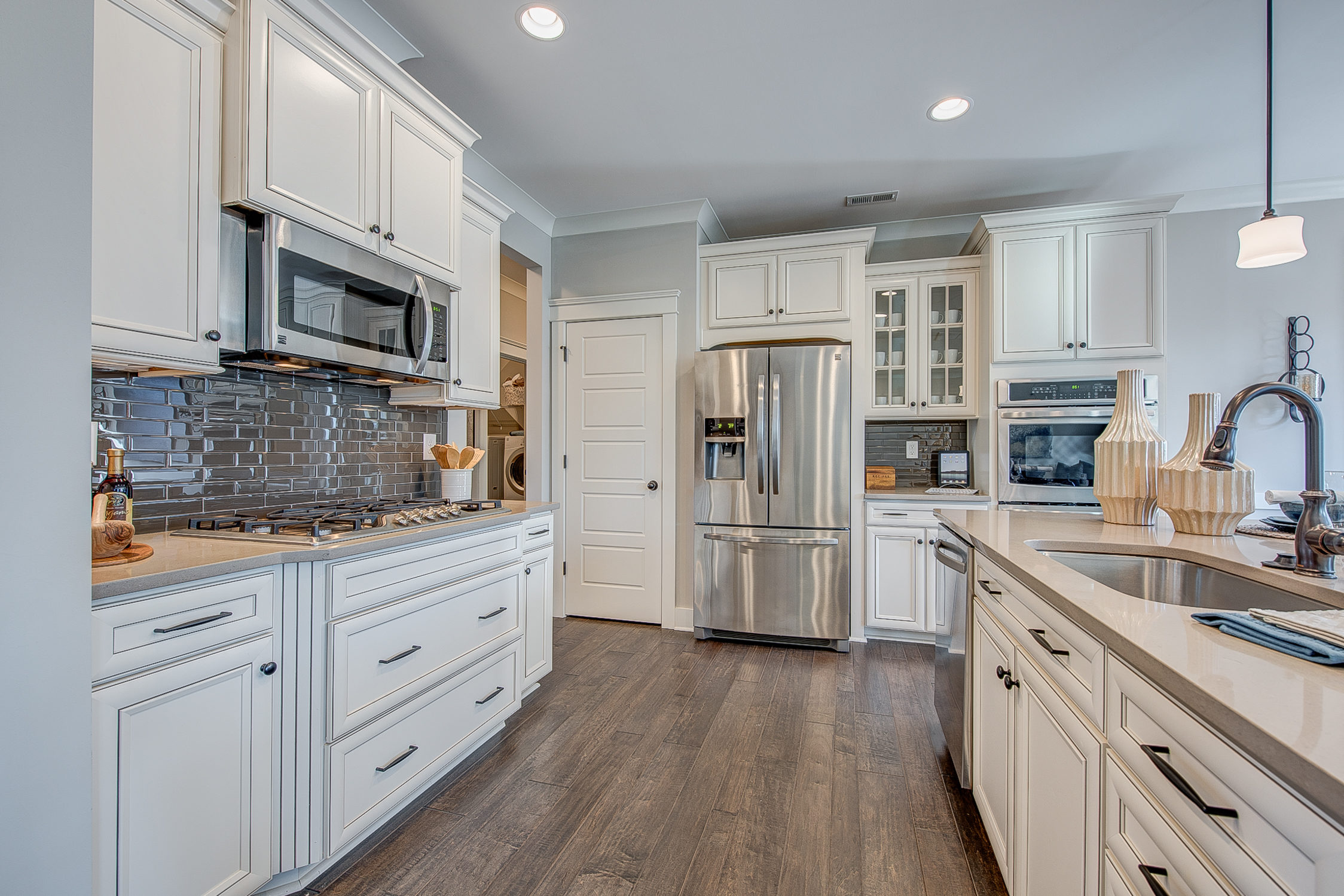 104-bushney-loop-mooresville-print-018-15-kitchen-2248x1500-300dpi_33628712711_o.jpg