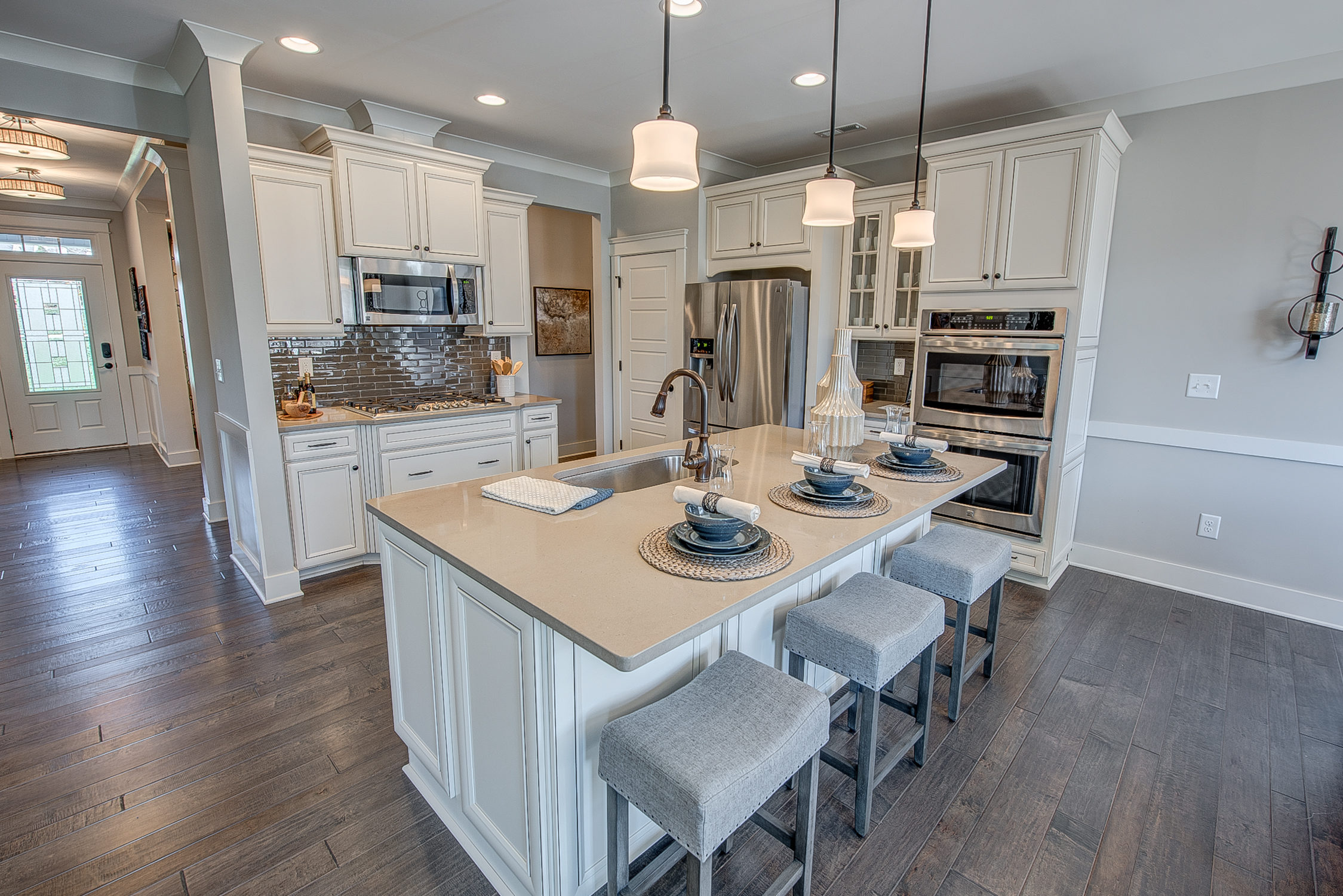104-bushney-loop-mooresville-print-023-29-kitchen-2249x1500-300dpi_33628712001_o.jpg