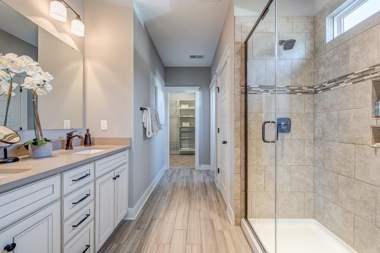 104-bushney-loop-mooresville-print-027-18-owners-bathroom-2248x1500-300dpi_33373102240_o.jpg