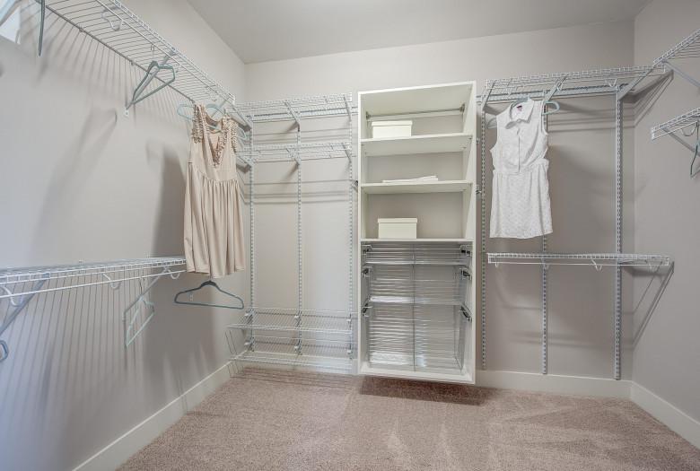 104-bushney-loop-mooresville-print-030-21-owners-closet-2227x1500-300dpi_33373102080_o.jpg