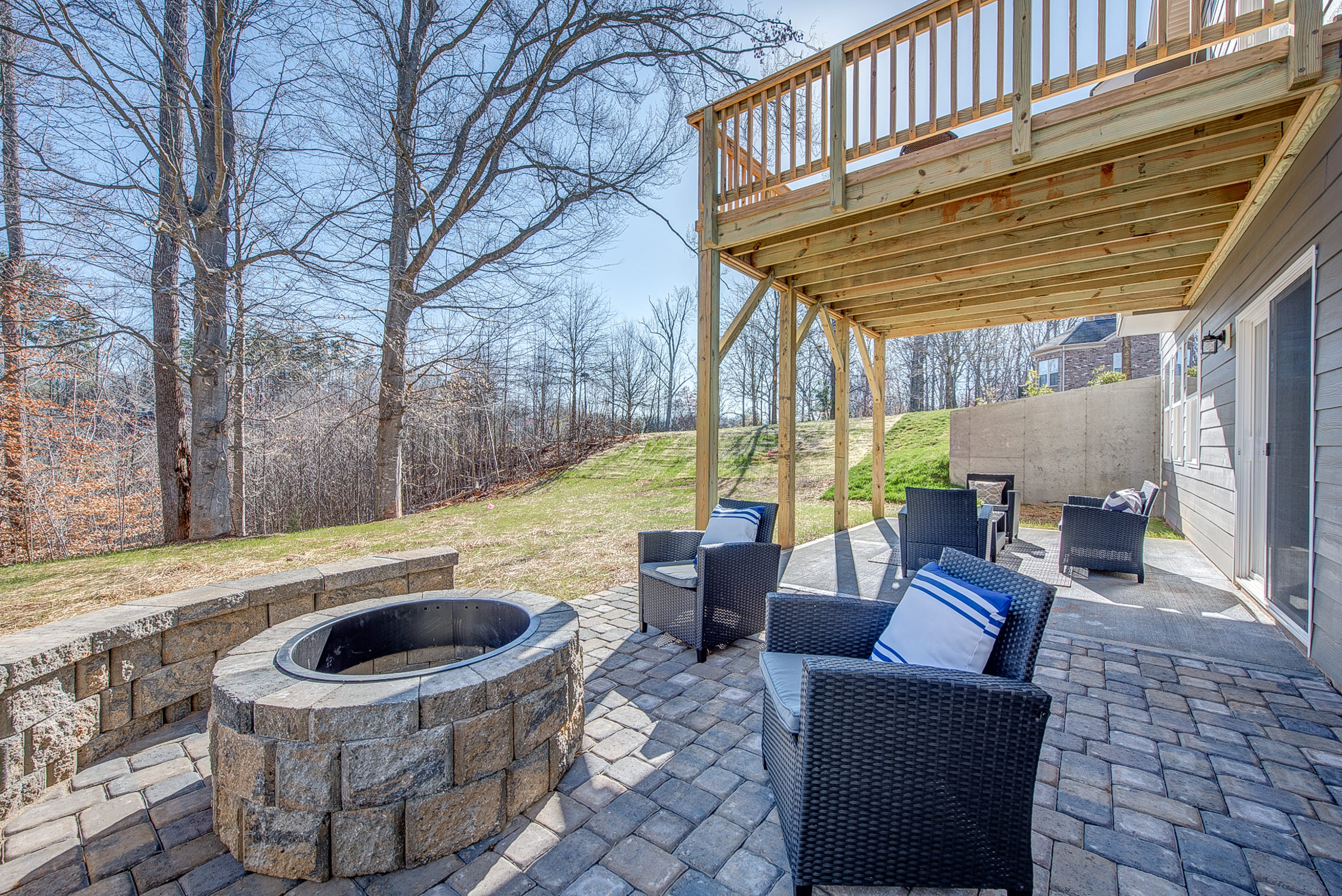 104-bushney-loop-mooresville-print-038-36-patio-firepit-2247x1500-300dpi_33628707331_o.jpg
