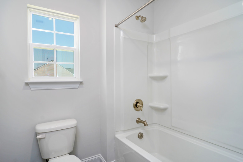 full-bath-2_48716237633_o.jpg