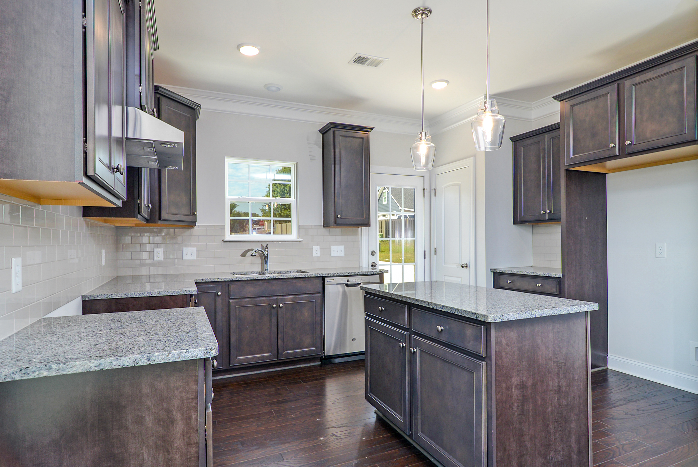 kitchen-1_48716740032_o.jpg
