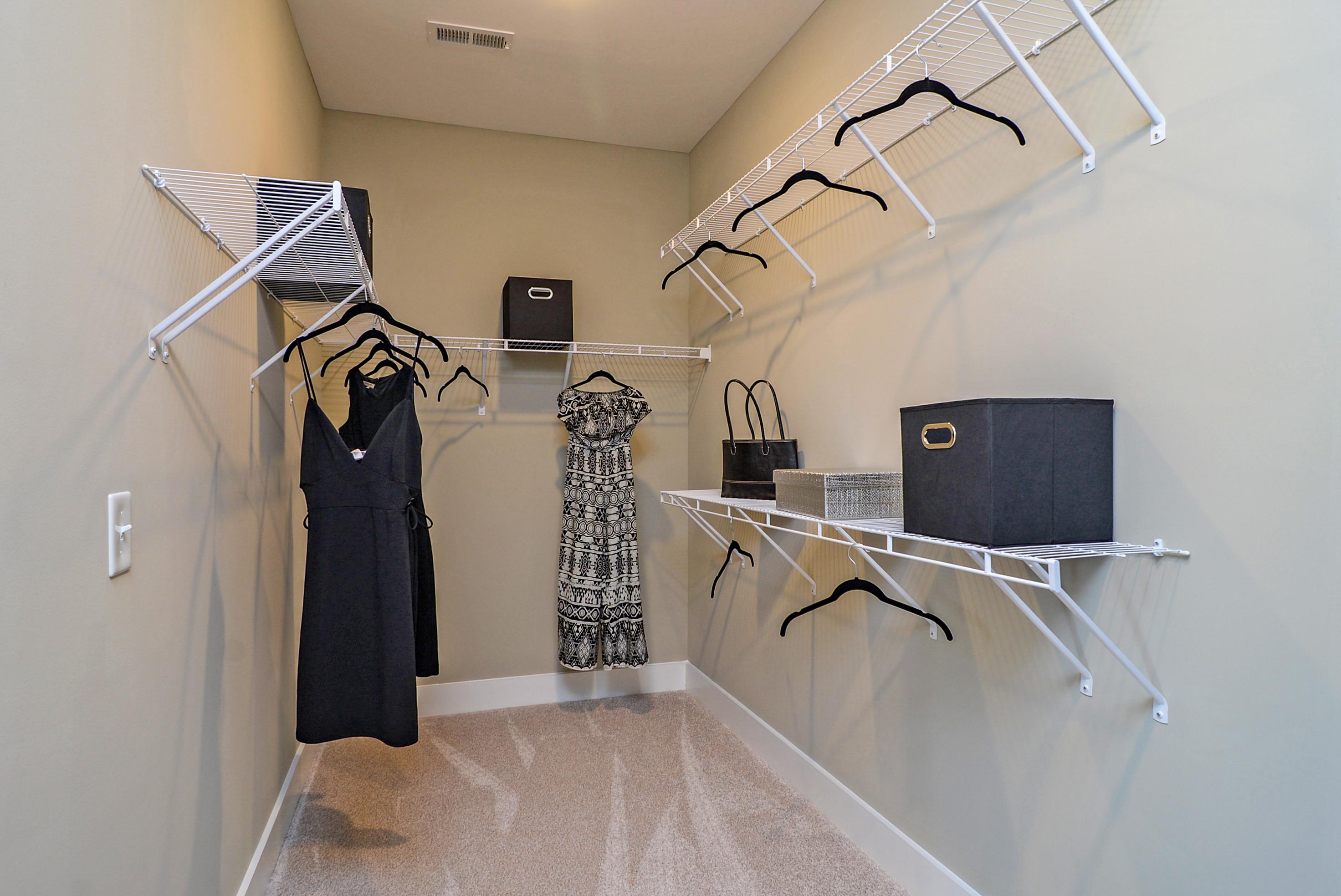 m-closet-1b_48689376198_o.jpg