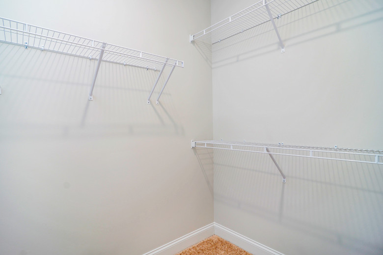 m-closet_48716565586_o.jpg