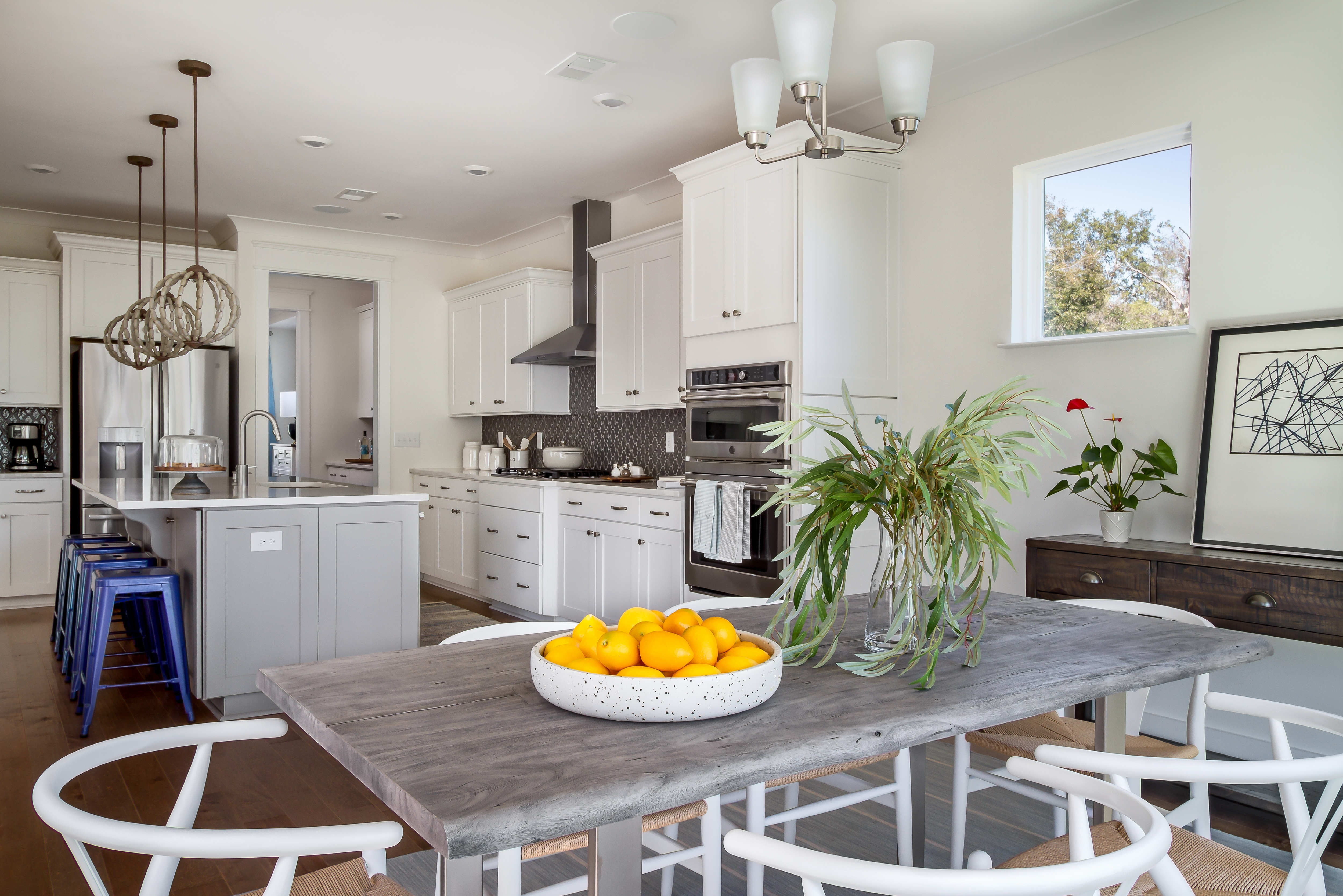 Cosgrove Kitchen and Breakfast Area