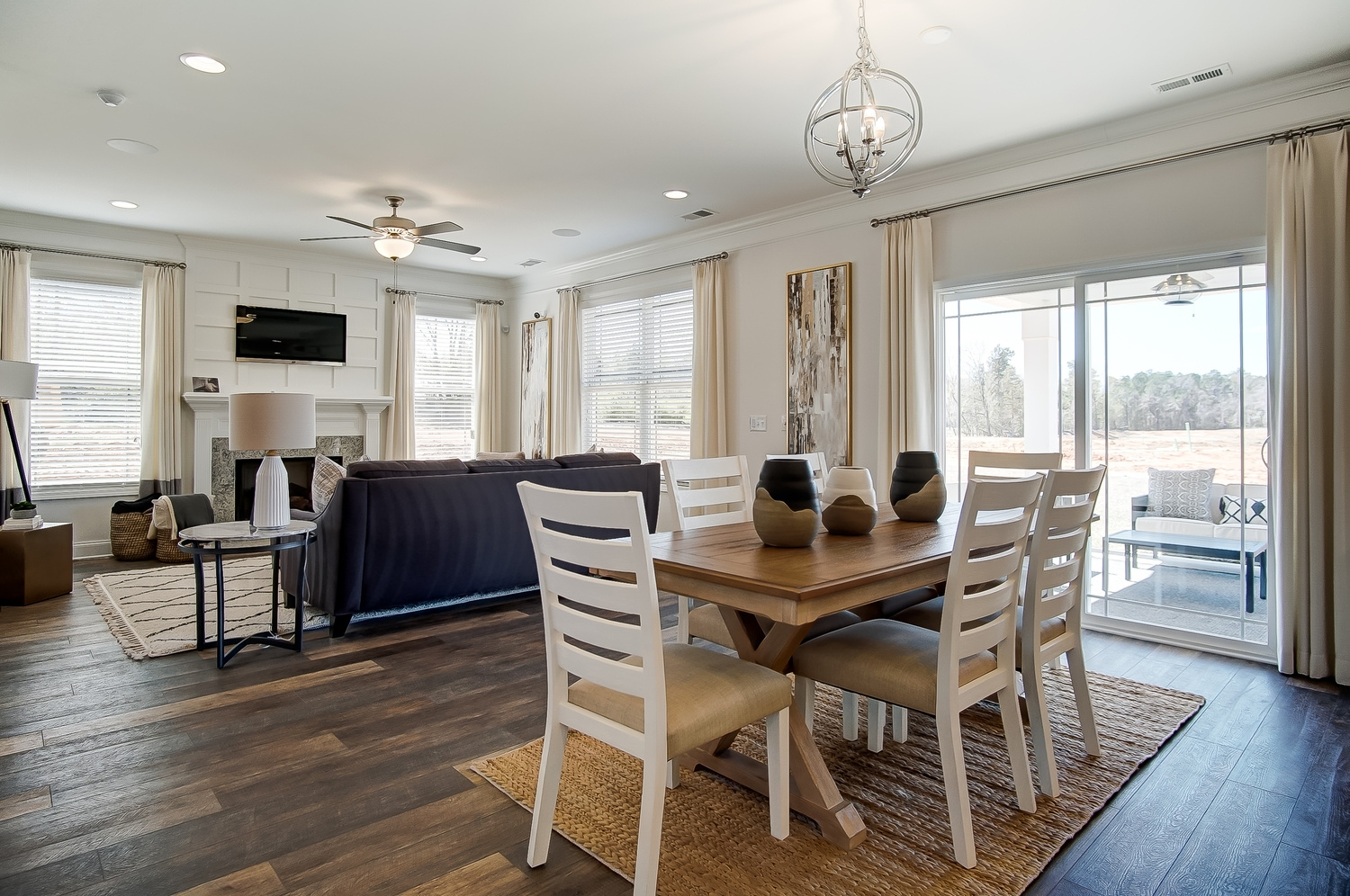 Drexel Breakfast Area and Family Room