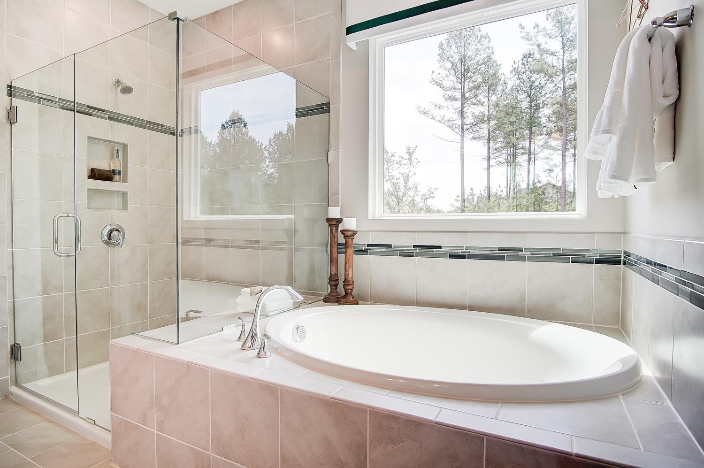 Raleigh Owner's Bath
