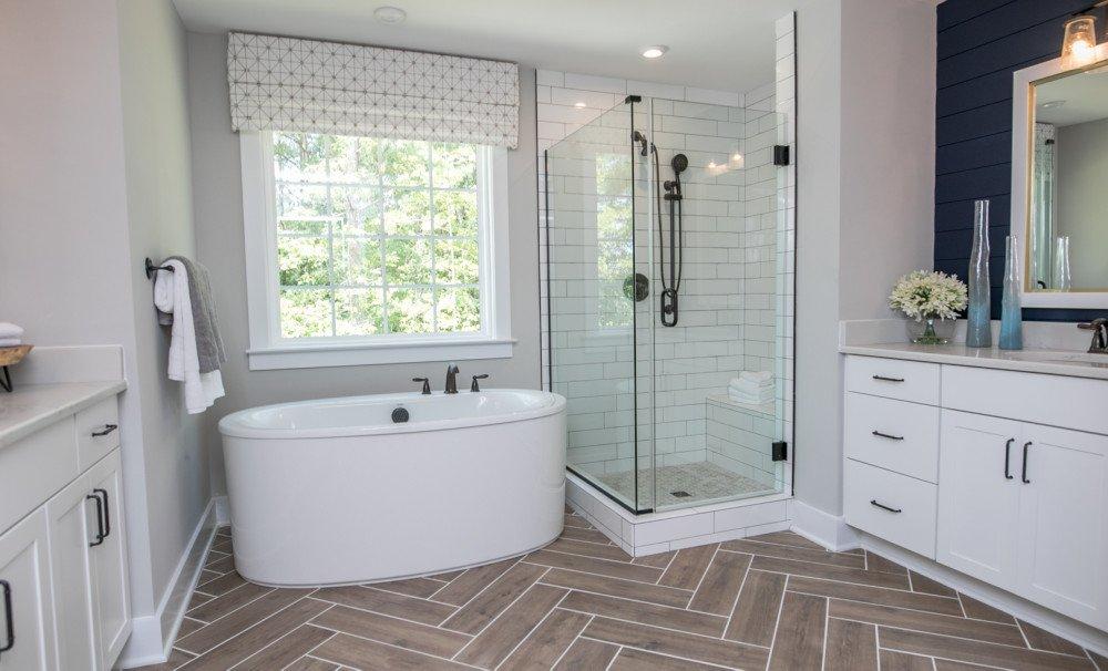 Roanoke Owner's Bath