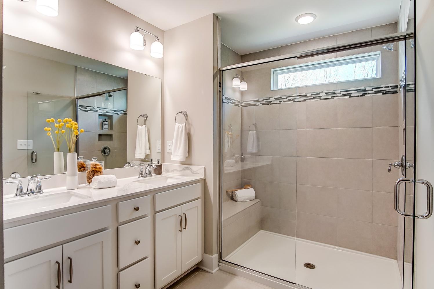 Brantley Owner's Bath