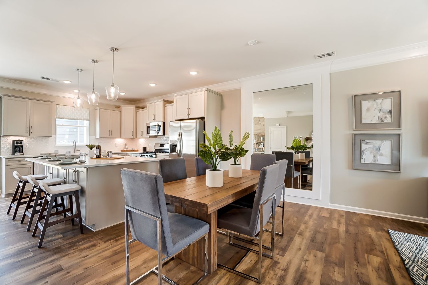Kensington Townhome Kitchen and Dining Area