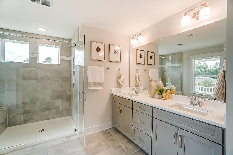 Montague Owner's Bath
