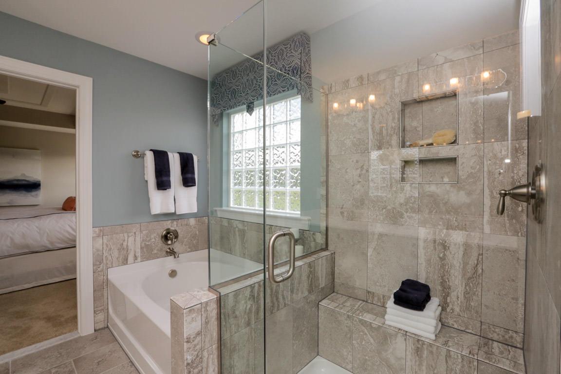 Drexel Owner's Bath