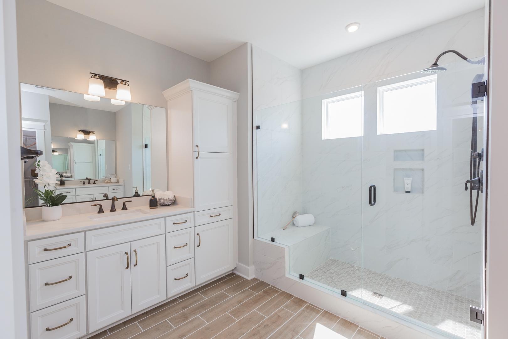 Roanoke Owner's Bathroom