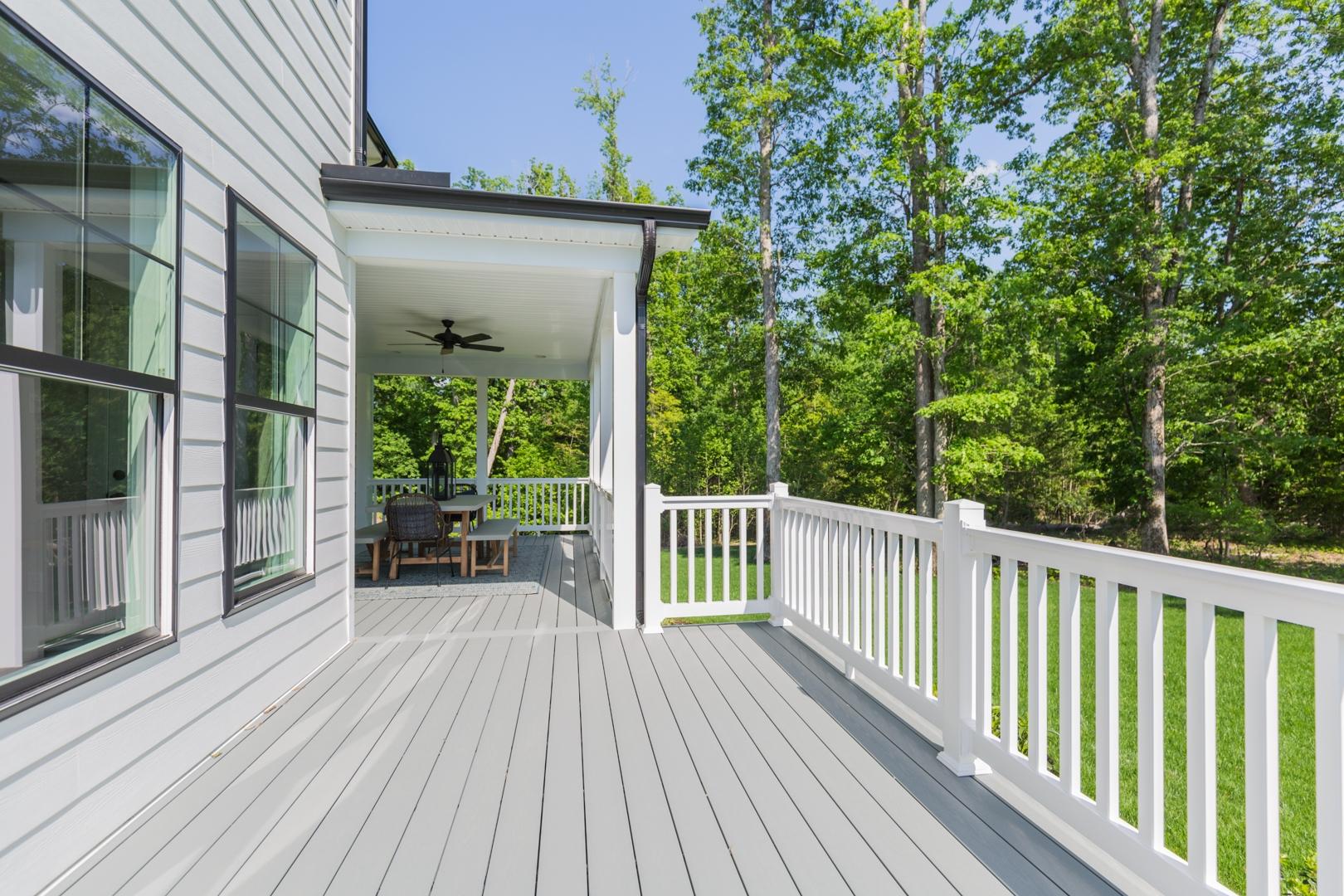 Roanoke Expanded Deck