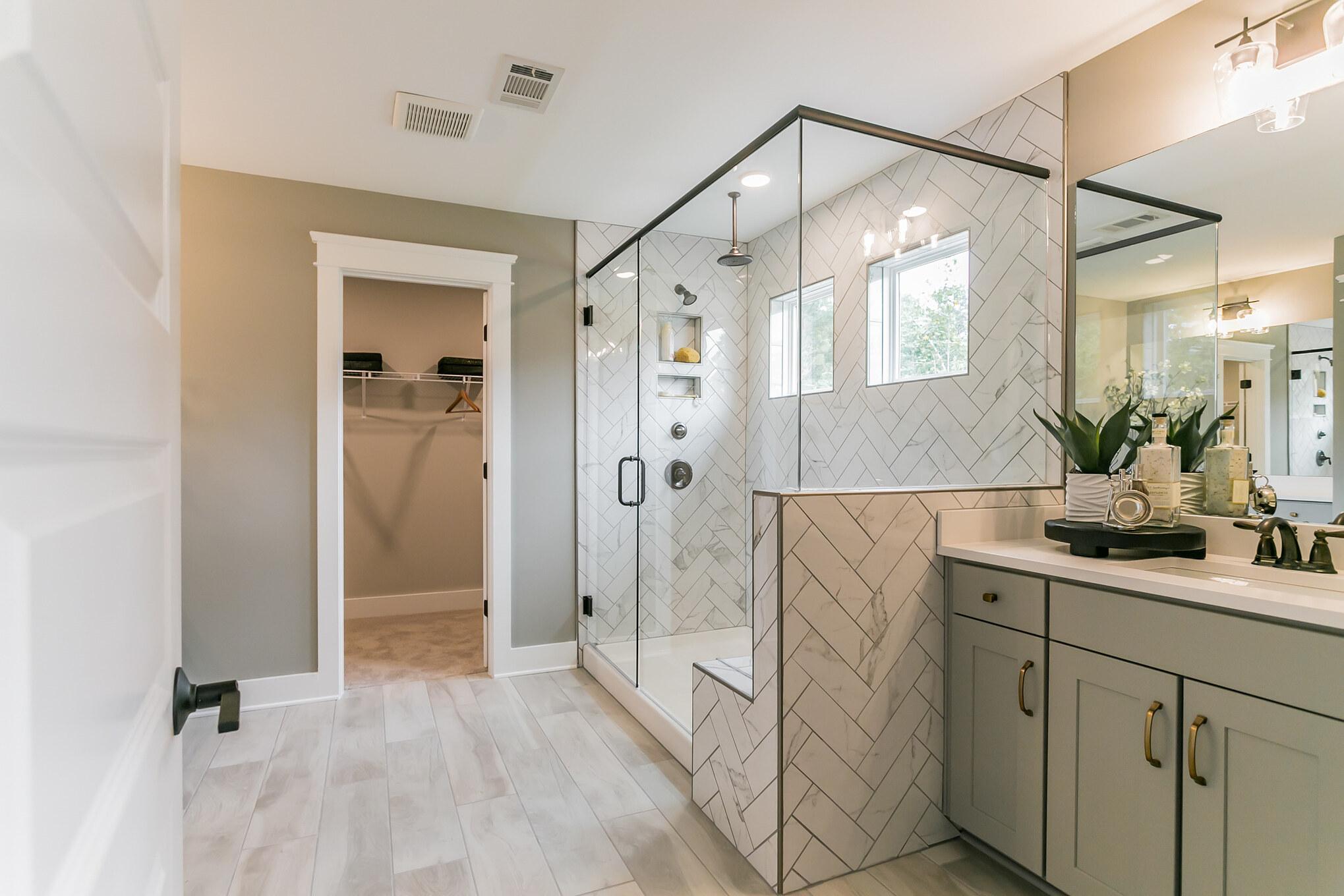 Charleston Owner's Bath