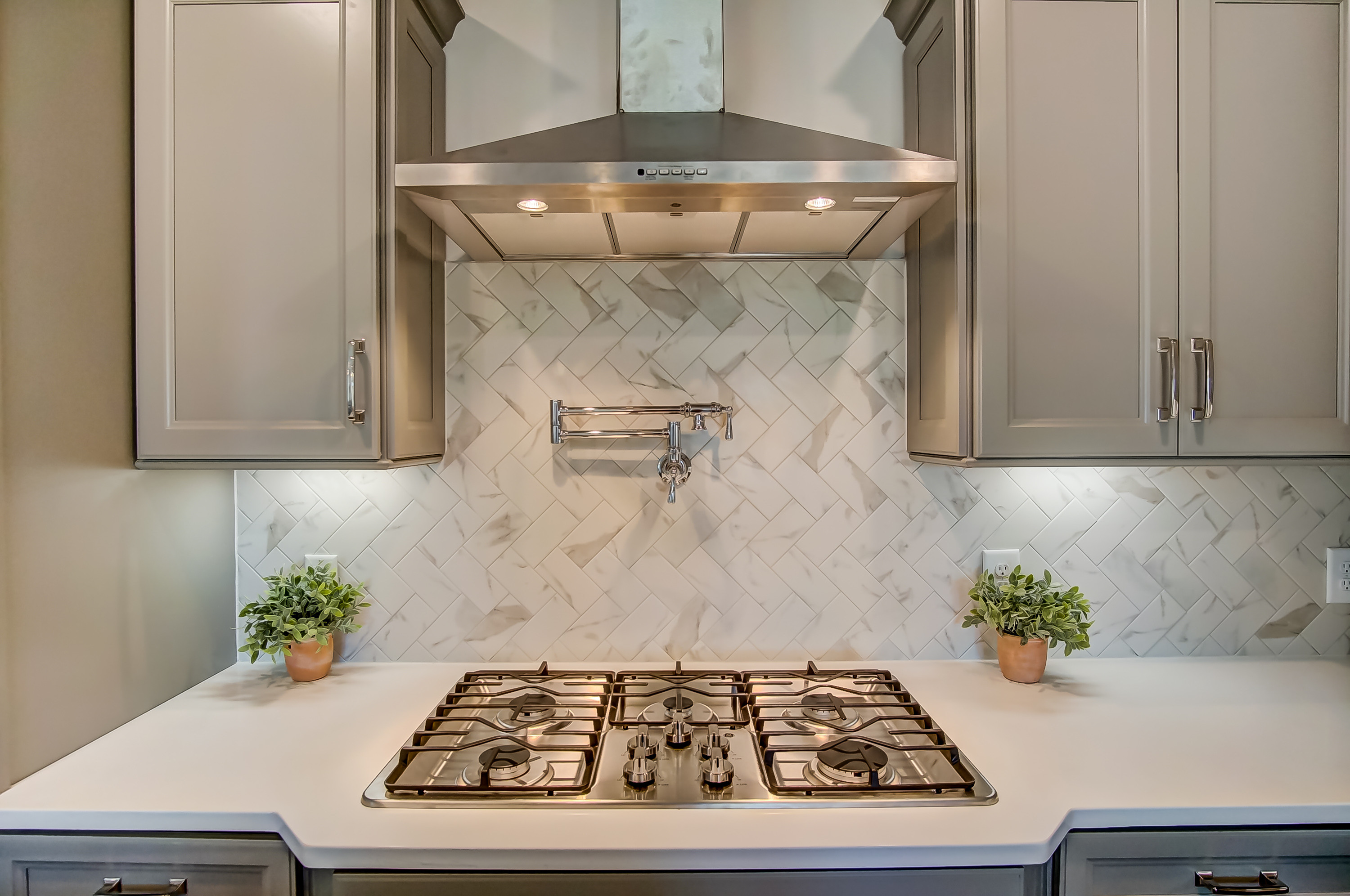 montague-laurel walk-kitchen 2.jpg
